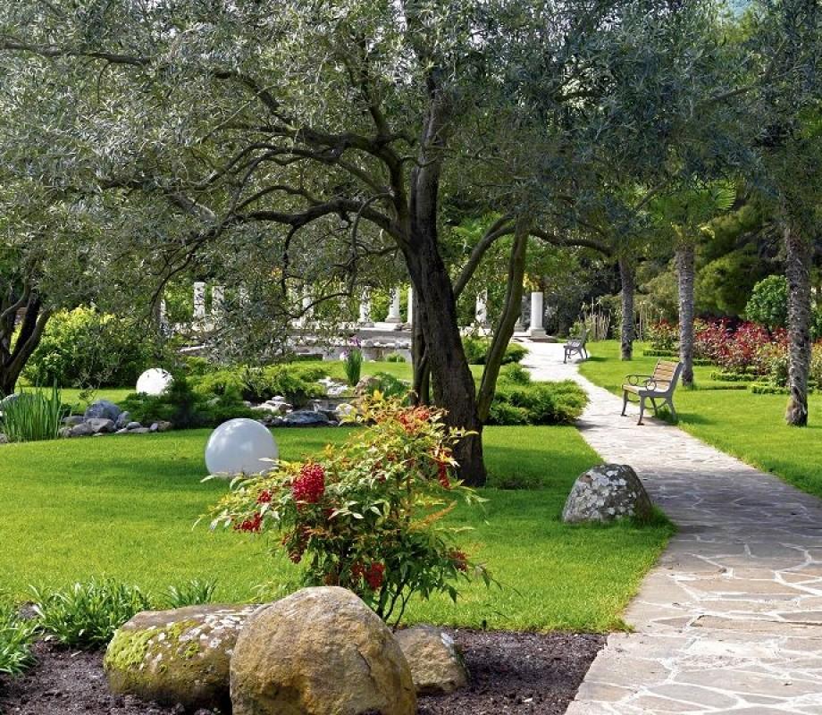 Сады и клумбы 105